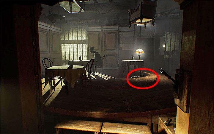 Rozwiązanie zagadki z krzesłem konieczne okaże się po dotarciu do pomieszczenia kawiarni - Zagadka z wiszącym krzesłem | Rozwiązanie zagadki w Layers of Fear 2 - Layers of Fear 2 - poradnik do gry