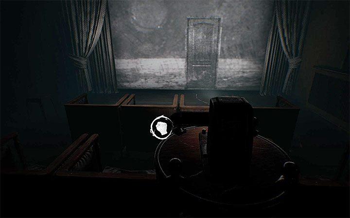 Podejdź do projektora i wejdź w interakcję z nim - Zagadka z projektorem | Rozwiązanie zagadki w Layers of Fear 2 - Layers of Fear 2 - poradnik do gry