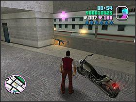 Pakuj się w szybkie auto i ruszaj do parku samochodowego, wskazanego na mapie - 03 Guardian Angels - Colonel Cortez - Grand Theft Auto: Vice City - Solucja - poradnik do gry