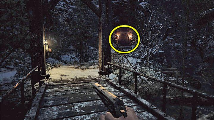 Опустив мост, вы получите доступ к лодке, на которой вы можете плыть по местной реке - Resident Evil Village: Gold Boxes - карта, описания, список всего - Resident Evil Village Game Guide