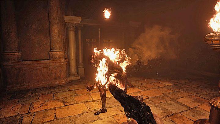 В одной из боковых комнат появится единственный враг - не убивайте его, просто позвольте ему подойти к одной из жаровен и поджечь - Resident Evil Village: Gold Chests - карта, описания, список всего - Resident Evil Village Руководство по игре