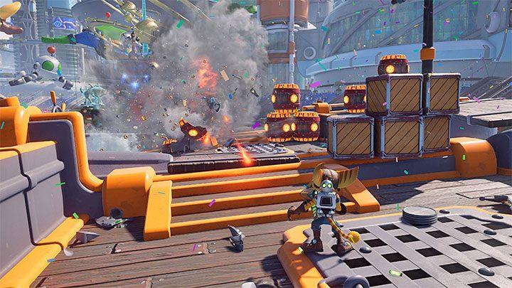 Во время перестрелки ищите возможности поразить красные взрывные бочки и ящики - Ratchet & Clank Rift Apart: советы по запуску - руководство по игре Ratchet & Clank Rift Apart