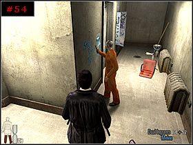 W drodze powrotnej, w korytarzu spotka�em dw�ch uzbrojonych sprz�taczy - [PART I] Chapter IV - Max Payne 2: The Fall Of Max Payne - poradnik do gry