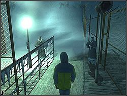 Zabierz le��cy na stoliku klucz i skorzystaj z drzwi na prawo - The Bjarkhov Bomb - Opis (2) - Misja 3 - Hitman: Kontrakty - poradnik do gry