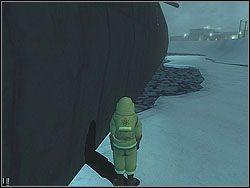 Musisz obchodząc łódź dookoła umieścić ładunki w trzech miejscach (zwróć uwagę na pojawiające się w nich menu akcji) - The Bjarkhov Bomb - Opis (2) - Misja 3 - Hitman: Kontrakty - poradnik do gry