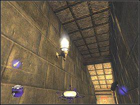 Twoje miejscem docelowym są drzwi nad którymi widnieje znak czerwonej ręki - Dzień pierwszy [Opis 5] - Miasto - Thief: Deadly Shadows - poradnik do gry