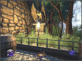 Jak tylko wkroczysz plac na lewo od statuy zobaczysz kr�tki przerywnik - Dzie� pierwszy [Opis 7] - Miasto - Thief: Deadly Shadows - poradnik do gry