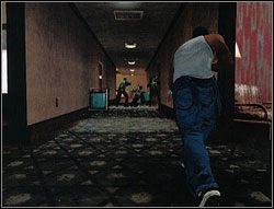 Wbiegnij do budynku i od razu wyczul wszystkie zmysły, bowiem SWAT też już tu wparował - Los Santos - Sweet cd. - Misje - Grand Theft Auto: San Andreas - poradnik do gry