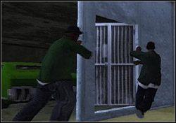 Na miejscu Cesar pokazuje ci scenę ścinającą krew w żyłach: gangsterów z Ballas układających się z Big Smoke'iem, Ryderem i Tenpennym - Los Santos - Sweet cd. - Misje - Grand Theft Auto: San Andreas - poradnik do gry