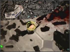 W tym celu znowu wyjdź do otwartej hali, przejdź przez kładkę i udaj się do pomieszczenia [08] - Etap 4 (Piętro) - Solucja - Area 51 - poradnik do gry