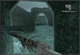 Teraz udaj się do tunelu przy ścianie wielkiej jaskini (lewe zdjęcie), a stamtąd przebiegnij przez łuk w murze (prawe zdjęcie - w tym miejscu możesz użyć ryby, gdyż dystans jest nieco większy niż w innych przypadkach) - [Solucja] Hayes cz.3 - Peter Jacksons King Kong - poradnik do gry