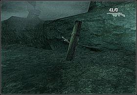 Gdy już to uczynisz za jednym z tuneli będzie przechylony kołek z uchwytem niezbędnym do otwarcia bramy - [Solucja] Hayes cz.3 - Peter Jacksons King Kong - poradnik do gry