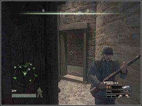 Wejdź do budynku przez przejście z lewej, po czym wejdź po schodach na najwyższą kondygnację - Misja 5 - Resistance - Solucja - Commandos: Strike Force - poradnik do gry