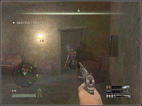 Przeskocz wtedy do pokoju z lewej, gdzie przygotuj sobie pistolet z t�umikiem - Misja 5 - Resistance - Solucja - Commandos: Strike Force - poradnik do gry