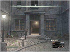Kiedy to nast�pi, wr�� do pomieszczenia z generatorami [1] i po uprzednim zabiciu stra�nika, zniszcz je - Misja 5 - Resistance - Solucja - Commandos: Strike Force - poradnik do gry