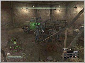 Przed wejściem do niego, skręć w korytarz z lewej i weź z pokoju papiery leżące na stole [1] - Misja 5 - Resistance - Solucja - Commandos: Strike Force - poradnik do gry