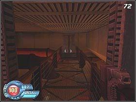 W następnym pomieszczeniu musisz dostać się na wyżej położony podest (#71) - U4 Laboratory - Infiltration - Solucja - SiN Episodes: Emergence - poradnik do gry