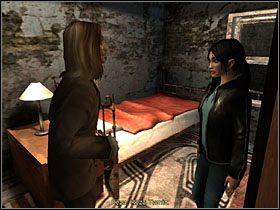 Dziewczyna chowa fotkę i w tym momencie do pokoju wchodzi jego mieszkaniec, niejaki Marcus, barwna i niebanalna postać,