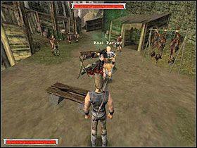 Po powrocie do starego obozu kierujesz się do targowiska i rozmawiasz z Dexterem (obrazek z lewej) - Witamy w Koloni (11) | Rozdział 1 | Gothic - Gothic - poradnik do gry