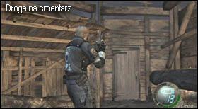 Po zwycięstwie pozbieraj wszystkie rozrzucone rzeczy w okolicy (jeśli nie zrobiłeś tego wcześniej) i przejdź przez otwartą po walce bramę, a dalej do drzwi prowadzących na cmentarz - Village (2-1) - przystań i boss - Resident Evil 4 - PC - poradnik do gry