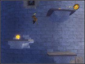 Kiedy ci uciekanie skieruj się w lewy górny róg, gdzie oprócz złota i wiedźmy znajdziesz także złotą statuetkę [1] - [Solucja] Etap 6 - Teren Akademii - Shrek Trzeci - poradnik do gry
