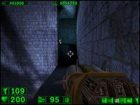 Sekret #3: Natomiast po drodze do poprzedniego sekretu, wchodząc na półkę z boku sali skacząc na skrzynie z ogniem i podążając dalej prosto dojdziemy do żółtego korytarza - dzięki temu skrócimy sobie znacznie drogę - 03: Grobowiec Ramzesa - Serious Sam: Pierwsze starcie - poradnik do gry