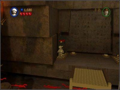 Zmień postać na Sallaha i przeskocz na drugą stronę - Chapter 4 - The Well of Souls (cz.1) - Poszukiwacze Zaginionej Arki - LEGO Indiana Jones: The Original Adventures - poradnik do gry