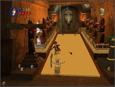 Znajdziesz się w dużym pomieszczeniu - Chapter 4 - The Well of Souls (cz.1) - Poszukiwacze Zaginionej Arki - LEGO Indiana Jones: The Original Adventures - poradnik do gry
