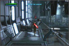 Kiedy dojdziesz do pierwszej śluzy zagradzającej dalszą drogę, użyj Pchnięcia Mocą, przytrzymując na padzie kółko (O) - Misja 01 - TIE Fighter Factory (cz.1) - Star Wars: The Force Unleashed - poradnik do gry