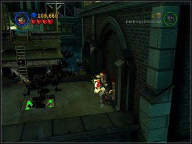 Przeleć na sąsiedni dach i pociągnij za obie wajchy - There She Goes Again (cz.3) - Heros Episode 2 - LEGO Batman: The Videogame - poradnik do gry