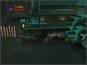 Zaczep lin� na w�azie kanalizacji, a wyleci Kanister (#4) - Batboat Battle (cz.1) - Heros Episode 2 - LEGO Batman: The Videogame - poradnik do gry