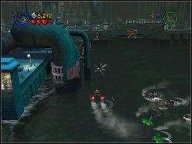 Free Play: By zdobyć Kanistry z dwóch górnych screenów, potrzebny Ci Killer Crocs Swamp Rider oraz łódź podwodna - Batboat Battle (cz.1) - Heros Episode 2 - LEGO Batman: The Videogame - poradnik do gry