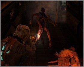 Idziemy prosto, następnie skręcamy w lewo, zostajemy z zaskoczenia zaatakowani przez dwa mutanty - Nowe transporty (cz.4) | Rozdział 01 - Dead Space - poradnik do gry
