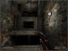 Teraz czeka Cię wędrówka: szyb, drabinką na dół, potem w korytarzu wyskocz wyżej - Szpital (część II) - Dusk-12: Strefa Śmierci - poradnik do gry