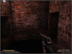 Użyj kolejnego szybu, zeskocz na dół - Szpital (część II) - Dusk-12: Strefa Śmierci - poradnik do gry