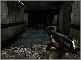 Gdy tylko skierujesz się do wyjścia z pomieszczenia, nastąpi frontalny atak - Szpital (część II) - Dusk-12: Strefa Śmierci - poradnik do gry