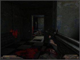 �mia�o do przodu, a b�d�c w jego po�owie ci�nij przed siebie granat - Szpital (cz�� II) - Dusk-12: Strefa �mierci - poradnik do gry