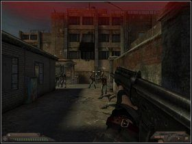 Wyjdź na zewnątrz i przygotuj się na atak z przodu oraz z prawej - Szpital (część III) - Dusk-12: Strefa Śmierci - poradnik do gry