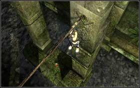 Przeskakuj z krawędzi na krawędź, aż w końcu znajdziesz się na drążku prowadzącym do trzeciego rzędu kolumn - Coastal Thailand - Remnants (cz.2) - Solucja - Tomb Raider: Underworld - poradnik do gry