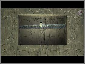 Poci�gn�wszy za r�k�, odrywa panel od boku pos�gu i odkrywa, �e za nim mie�ci si� dziurawa rura - Zdoby� �yw� wod� - Wioska - Zaginiona historia: Tale of Hero - poradnik do gry