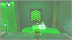 Teraz skręć w lewo, wygeneruj na zielonej cieczy jedną żelową wyskocznie, aby dostać się na drugą stronę pomieszczenia a potem biegnij przez wąski korytarz - Gelatonium Plant, Plantet Cobalia - Opis przejścia - Ratchet & Clank: Tools of Destruction - poradnik do gry