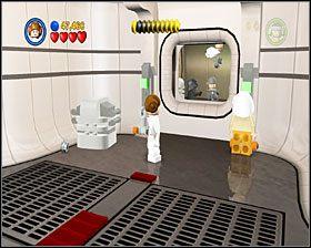 Gdy dotrzesz do ciemnego pomieszczenia, przesuń obie skrzynie na wgłębienia w podłodze - Chapter 1 - Secret Plans - Story Mode - Episode 4 - LEGO Star Wars: The Complete Saga - poradnik do gry