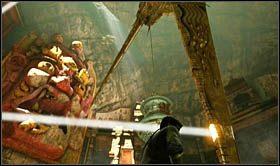 W ten spos�b obni�ysz pierwsze ostrze, w centralnej cz�ci sali - Rozdzia� 9 �cie�ka �wiat�o�ci - Opis przej�cia - Uncharted 2: Among Thieves - poradnik do gry