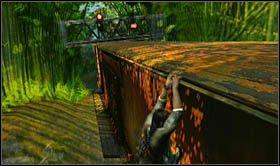 Aby pokonać kolejne dwa wagony, będziesz zmuszony trzymać się lewej krawędzi, gdyż z pozostałych stron znajdować się będą metalowe konstrukcje od sygnalizacji - Rozdział 13 Lokomotywa - Opis przejścia - Uncharted 2: Among Thieves - poradnik do gry