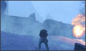Po wyeliminowaniu wszystkich oponentów podejdź do płonącej cysterny i rozpocznij wspinaczkę skałami na lewo od niej - Rozdział 15 Katastrofa kolejowa - Opis przejścia - Uncharted 2: Among Thieves - poradnik do gry