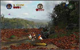 Następnie kładź je mrowiskach [1] , z których wyłażą czerwone mrówki - Pojedynek z Dowczenką - Kryształowa Czaszka Akt II - LEGO Indiana Jones 2: The Adventure Continues - poradnik do gry