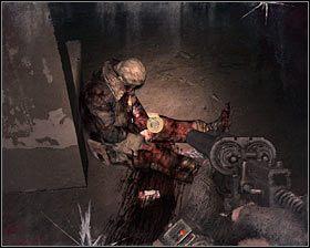 Musisz się tu bardzo pilnować, bo znajdziesz się w pomieszczeniu z dwoma potworami #1 , a kolejne będą czekały na Ciebie na zewnątrz - Dead City 1* (1) - Opis przejścia - Rozdział 2 - Metro 2033 - poradnik do gry