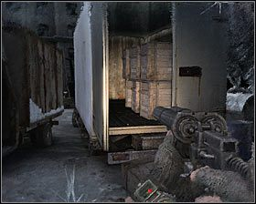 Ponownie wyjdź na zewnątrz i wykorzystaj okazję do zbadania zniszczonej furgonetki #1 , co pozwoli Ci wejść w posiadanie dwóch sztuk złotej amunicji - Dead City 1* (1) - Opis przejścia - Rozdział 2 - Metro 2033 - poradnik do gry