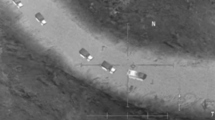 """Zdjęcie """"zrobione"""" przez Rosjan. - USA wspiera ISIS - twierdzi rosyjski MON. Na dowód ma screen z gry - wiadomość - 2017-11-15"""
