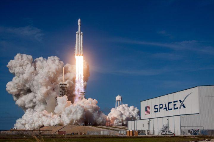 Miliarderzy udają się w kosmos.  Tłok na orbicie i gwiazda turystyczna - ilustracja nr 5